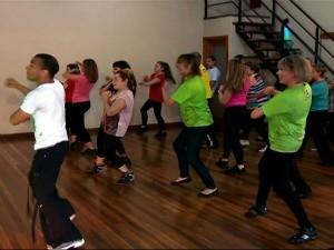 Aula de dança é destaque no Vida e Saúde deste sábado (Foto: Reprodução/ RBS TV)