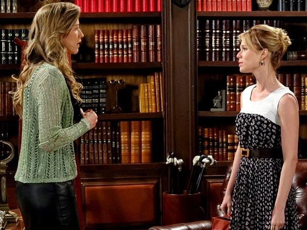 Juliana acredita que Vânia contou o plano a Felipe (Foto: Guerra dos Sexos / TV Globo)