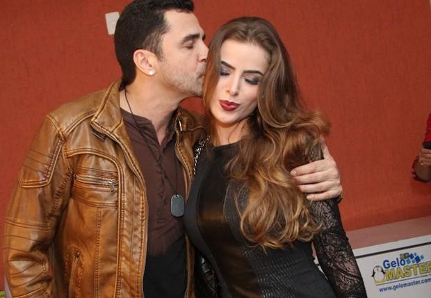 Latino e Rayanne Morais (Foto: Anderson Borde/AgNews)
