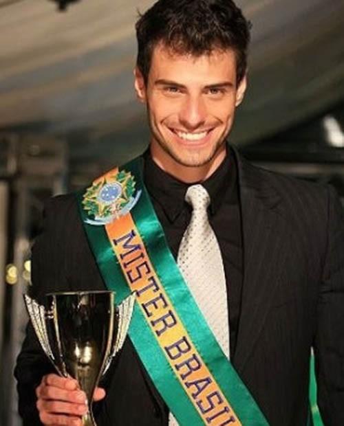 Lucas ganhou o concurso de Mister Brasil (Foto: Arquivo Pessoal)