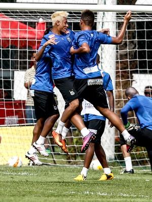 neymar andré santos comemoração treino (Foto: Luiz Fernando Menezes / Fotoarena)