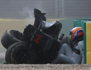 McLaren de Fernando Alonso ficou destruída em acidente no GP da Austrália (Foto: Divulgação)