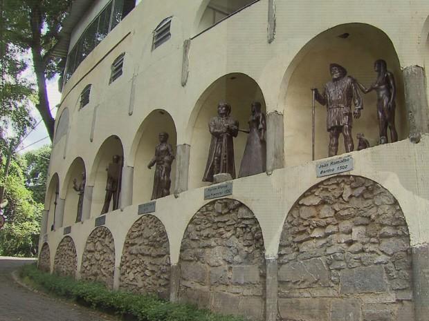 Chácara em São Vicente tem museu que conta história do local (Foto: Reprodução/TV Tribuna)