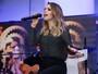 Sandy lança DVD em pocket show com apresentação de Fernanda Souza