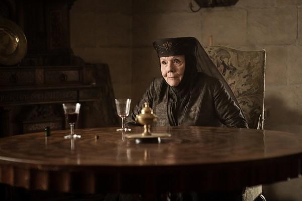 A atriz Daina Rigg no papel de Olenna Tyrell em Game of Thrones (Foto: Reprodução)