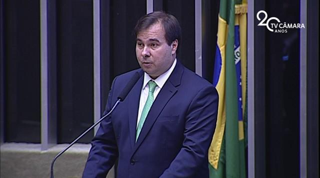 Rodrigo Maia discursa em sessão solene no Congresso