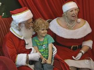 'As crianças são maravilhosas', diz Mamãe Noel de Tatuí (Foto: Reprodução/TV TEM)