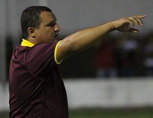 Higor César, técnico do Globo FC (Foto: Gabriel Peres/Divulgação)