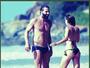 Henri Castelli e namorada curtem praia em Fernando de Noronha