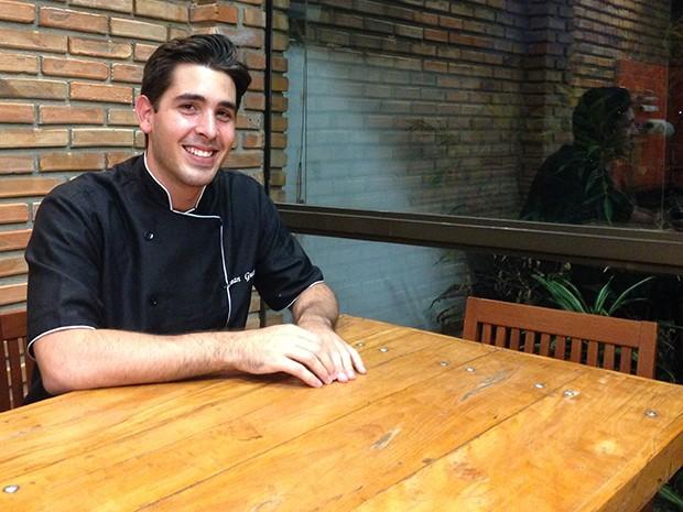 Renan Guerra é administrador e estudou gastronomia para trabalhar na área (Foto: Arquivo Pessoal)