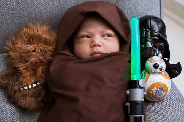Mark Zuckerberg compartilha foto da filha, Max, vestida de Jedi (Foto: Reprodução/Facebook)