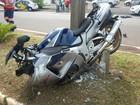 Motociclista e pedestre ficam em estado grave após atropelamento
