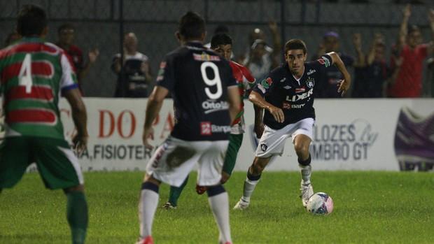 Thiago Galhardo contra o Cametá, no Baenão, pela terceira rodada do segundo turno do Campeonato Paraense (Foto: Tarso Sarraf/O Liberal)