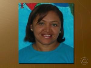 Professora Maria das Graças Marreiro Gomes foi assassinada a facadas no dia 10 de novembro de 2014 em João Pessoa (Foto: Reprodução/TV Cabo Branco)