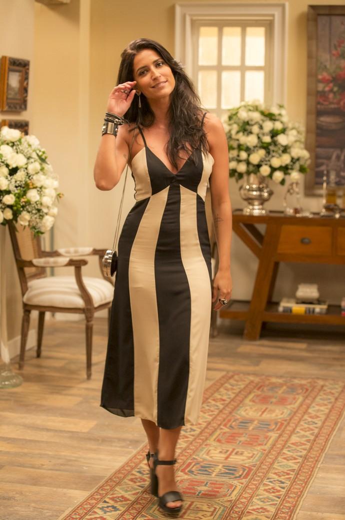 E quem disse que grávida não pode ser estilo? Olha que divo esse vestido da Carol (Foto: Ellen Soares/Gshow)