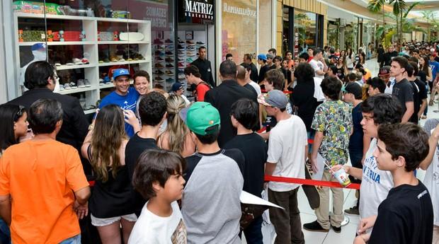 Cezar durante inauguração da loja de Maringá (Foto: Divulgação)