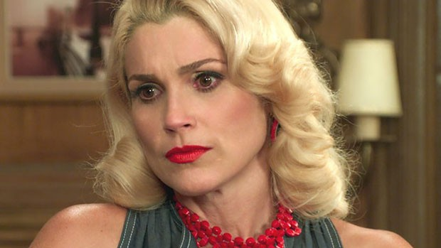 'Êta': Sandra conta a tia sobre beijo em Candinho (divulgação)