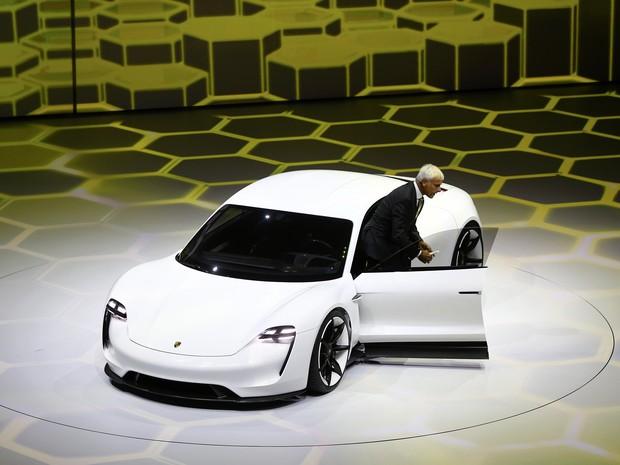 Porsche Mission E (Foto: Kai Pfaffenbach / Reuters)