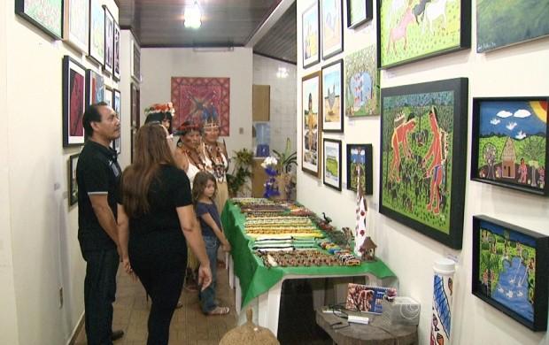 Galeria Itinerante Jaider Esbell está disponível em Boa Vista (Foto: Bom Dia Amazônia)