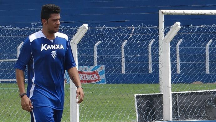 Pedro Silva, lateral do CSA (Foto: Caio Lorena / Globoesporte.com)