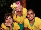 Veja novas fotos de Maria Casadevall e Caio Castro no litoral da Bahia