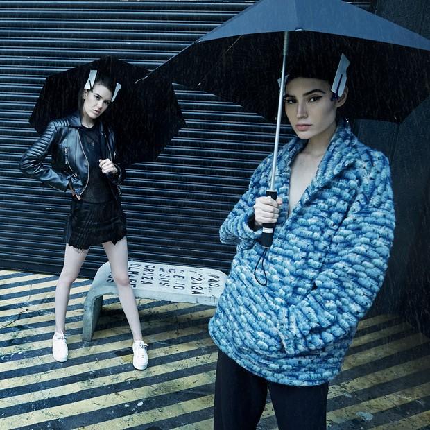Jaqueta (R$ 2.590), top (R$ 990) e saia (R$ 1.290) Tigresse; casaco (R$ 4.850) e calça (R$ 3.410) A. Niemeyer (Foto: Raquel Espirito Santo)