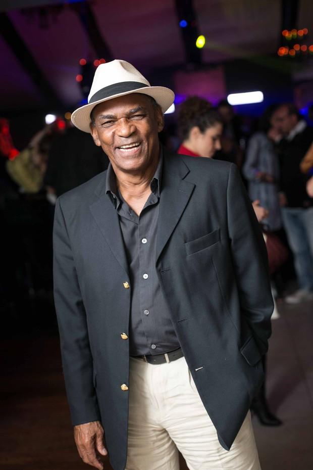 Antonio Pitanga em festa de pré-estreia de filme em boate no Rio (Foto: Marcos Samerson / Agência We Love Photo!)