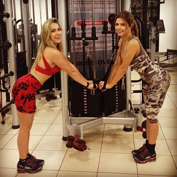 Renatinha e Cacau malham juntas em academia (Foto: reprodução do Instagram)