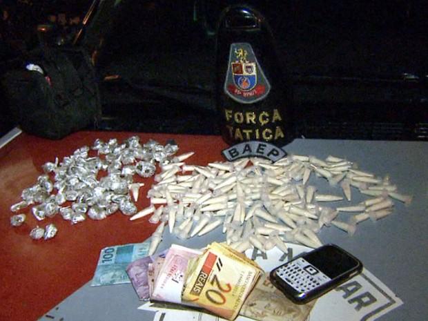 Polícia Militar apreendeu cocaína e maconha em Campinas  (Foto: Reprodução/EPTV)