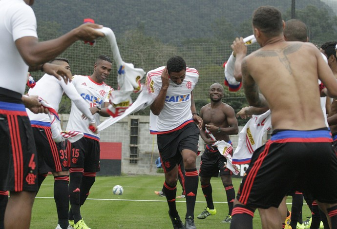 César Martins, corredor polonês Flamengo (Foto: Gilvan de Souza / Flamengo)