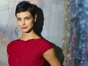 A série 'V', com Morena Baccarin, é exibido no Brasil pelo Warner Channel (terça-feira, às 22h) (Foto: Divulgação)