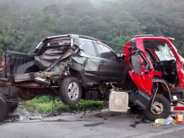Acidente deixou cinco mortos e seis feridos na BR-376 (Foto: Rosilda Schmidt / Arquivo pessoal )