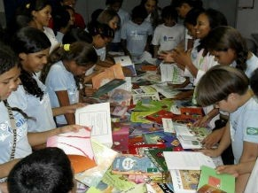 Projeto Ler para Crescer forma novos leitores na escola (Foto: Divulgação/ Escola Munipal Casa Meio Norte)