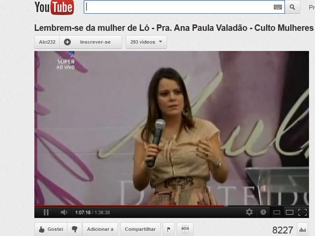 A cantora Ana Paula Valadão disse que o 'jejum' era estratégia para dar fim à gordura durante culto (Foto: Reprodução)