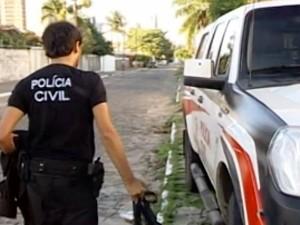 Polícia Civil durante operação Gabarito na Paraíba (Foto: Reprodução/TV Cabo Branco)