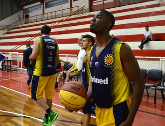 Brian Asbury São José Basquete (Foto: Danilo Sardinha/GloboEsporte.com)