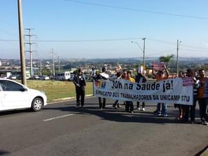 Em greve há 25 dias, funcionários protestam na Unicamp (Foto: Sindicato dos Trabalhadores da Unicamp)