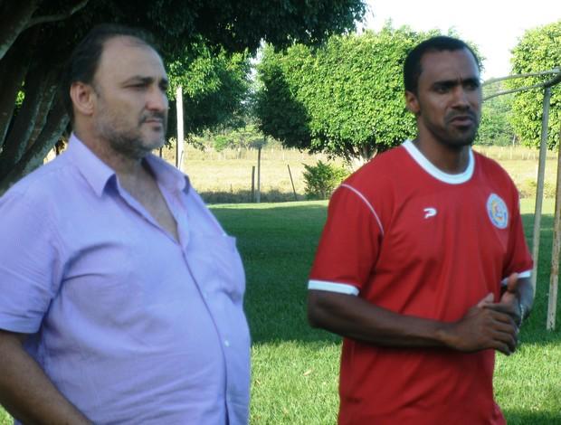 José Carlos Dalanhol, presidente do VEC (esquerda), Simônio Veiga (direita) (Foto: Leandro Nunes/Divulgação)