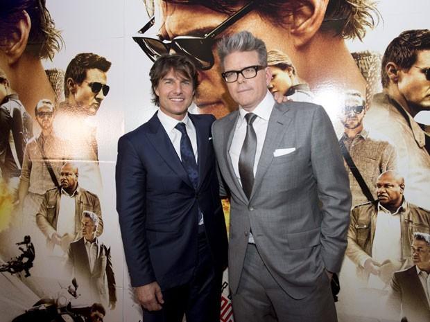 Tom Cruise e Christopher McQuarrie, o diretor e roteirista de 'Missão: Impossível – Nação secreta', durante lançamento do filme no Canadá, em 27 de julho de 2015 (Foto: Darren Calabrese/The Canadian Press via AP)