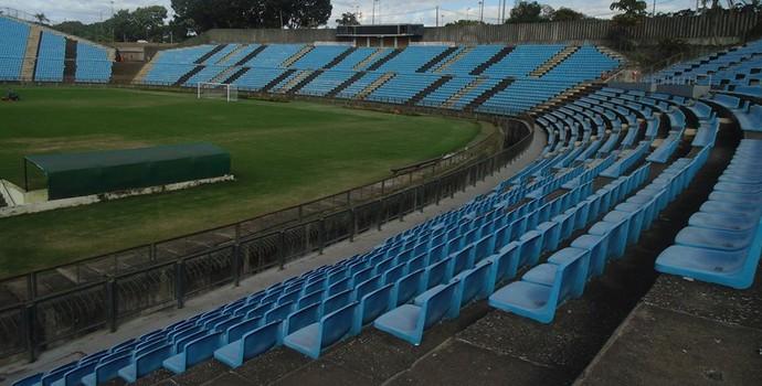 Estádio Ipatingão passa por reformas (Foto: Wilkson Tarres/GE)