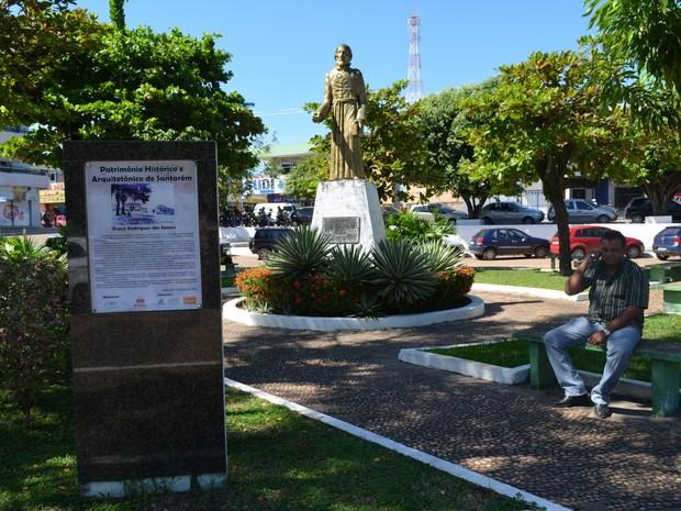 Praça Rodrigues dos Santos Santarém (Foto: Karla Lima/G1)