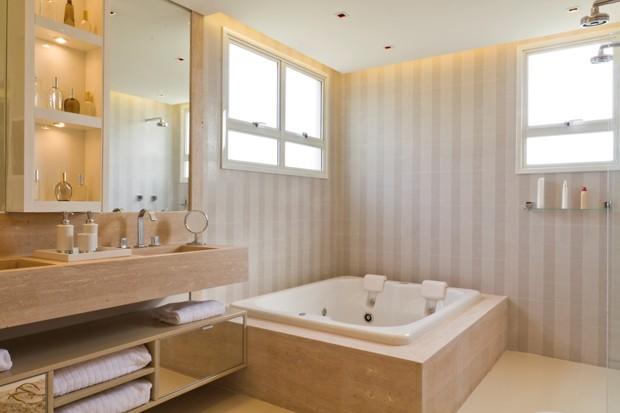 Nichos em banheiros são elegantes e atraentes (Foto: Camila Klein)