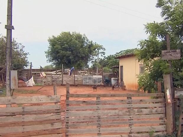 Chácara onde teria acontecido o crime em Guararapes (Foto: Reprodução/TV TEM)