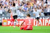 Jadson e Robinho duelam na enquete de gol mais bonito do fim de semana