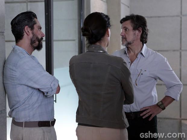 LC conversa com Hermes e Tereza (Foto: Felipe Monteiro/TV Globo)