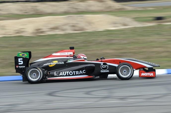 Pedro Piquet vence na Nova Zelândia