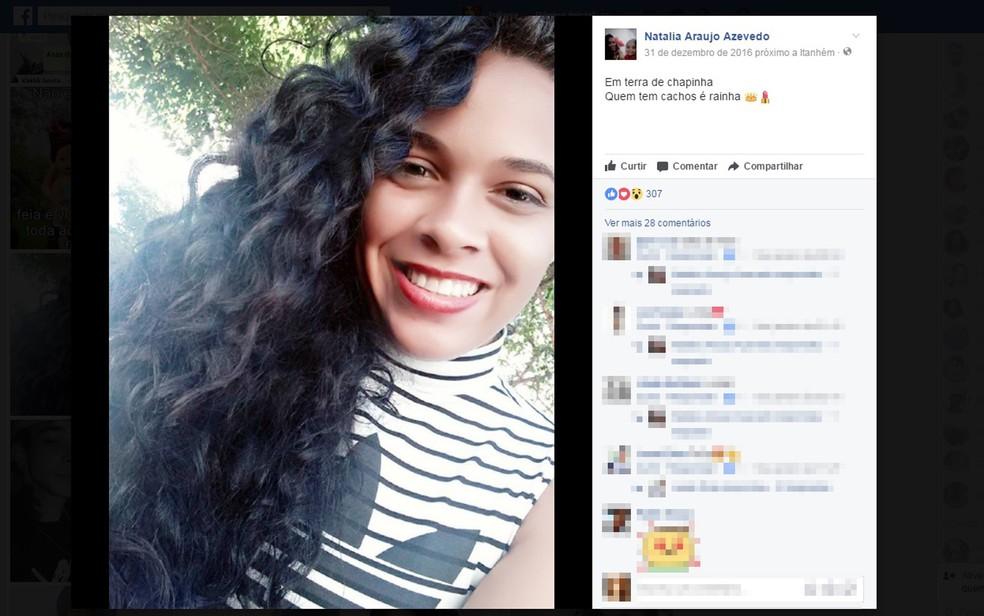 Jovem de 21 anos foi morta dentro de casa, na cidade de Itanhém, extremo sul baiano (Foto: Reprodução/ Facebook)