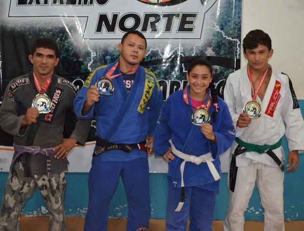 Equipe da Academia Extremo Norte de Lutas trouxe quatro medalhas do Sul-Americano (Foto: Rodrigo Litaif)