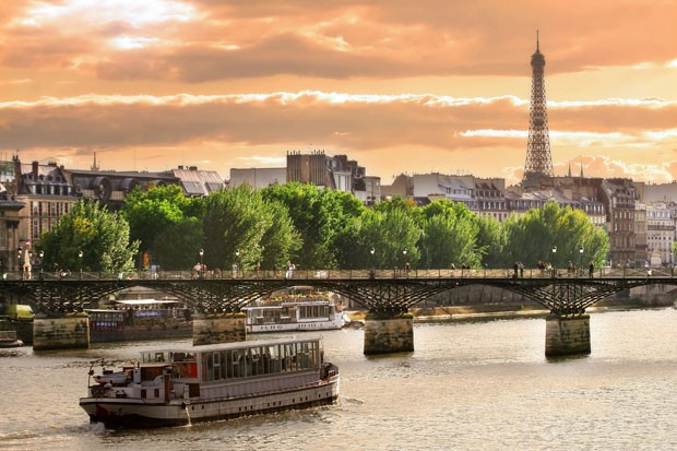 Sunset on Seine. (Foto: Hemera/ Thinkstock)