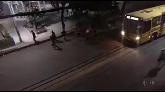 Briga entre torcidas rivais assusta moradores de Jaboatão, no Grande Recife